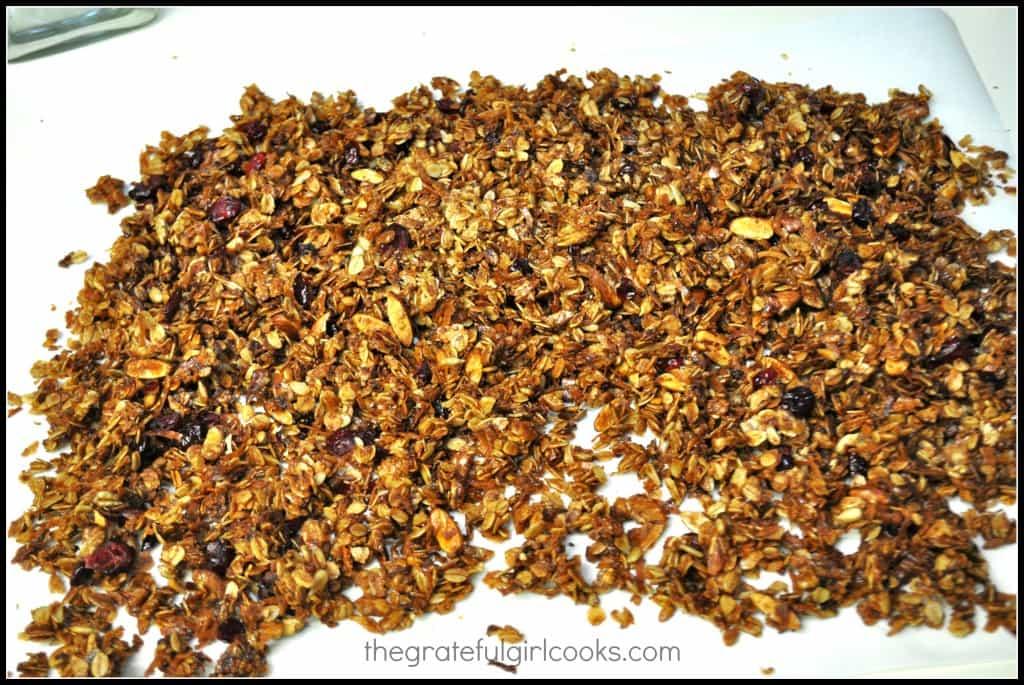 Cranberry Almond Granola / The Grateful Girl Cooks!