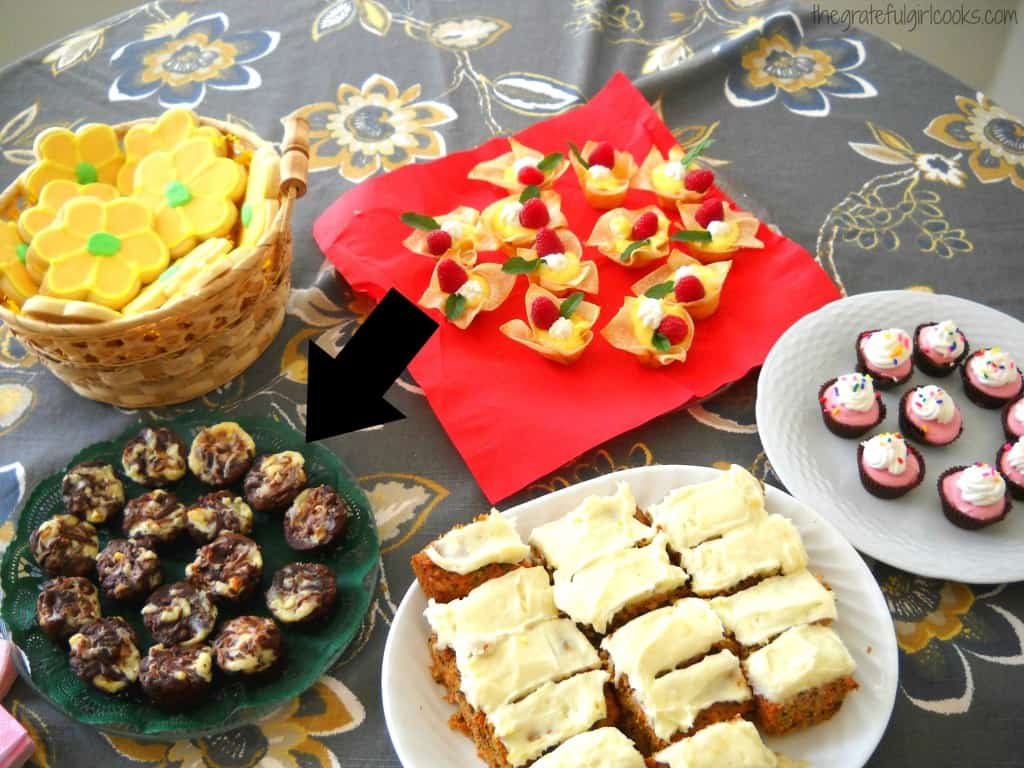 Chocolate Chip Cheesecake-Swirl Brownie Bites / The Grateful Girl Cooks!