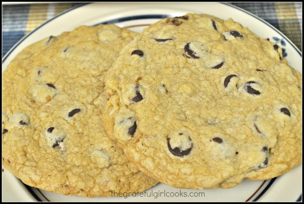 Mom's Chocolate Chip Cookies / The Grateful Girl Cooks!