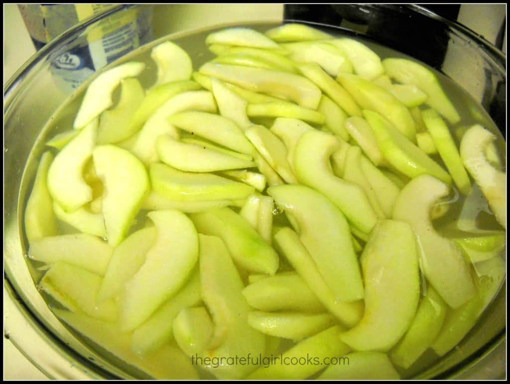 Tip of the Day #2: How To Keep Sliced Apples From Darkening Without Using Lemon Juice / The Grateful Girl Cooks!
