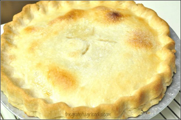 Peach pie, baked and ready to eat!