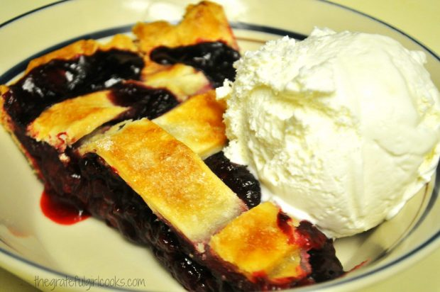 Boysenberry Pie / The Grateful Girl Cooks!