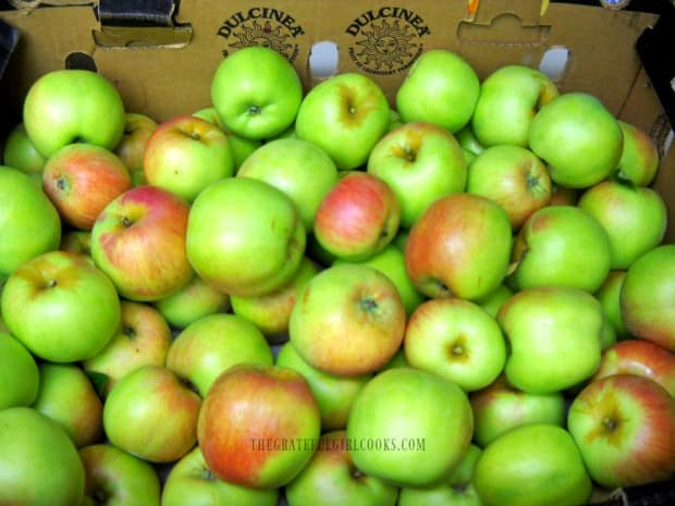 Fall apples, freshly picked, and can be used to make mini apple crisps!