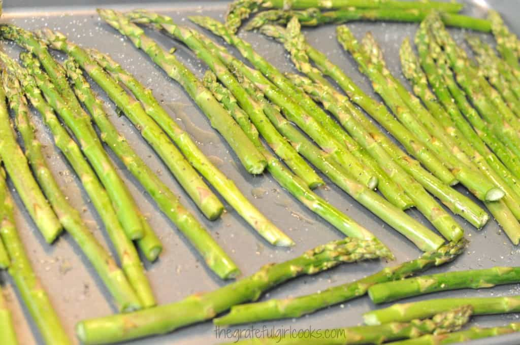 Garlic Infused Roasted Asparagus / The Grateful Girl Cooks!