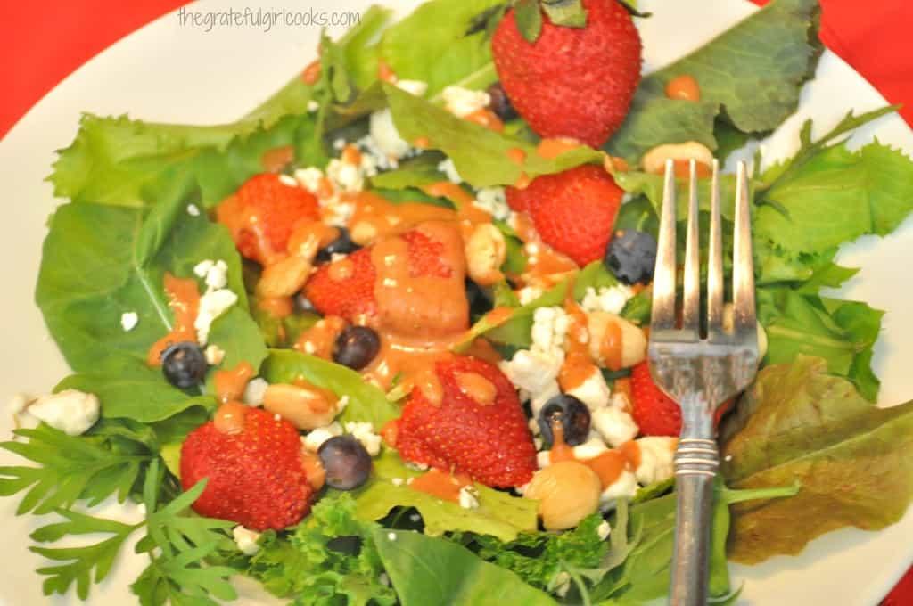 Strawberry Balsamic Vinaigrette / The Grateful Girl Cooks!