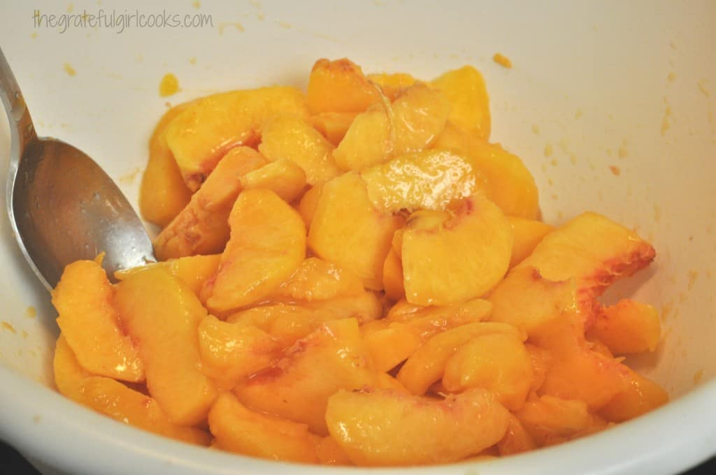 Old-Fashioned Peach Crisp / The Grateful Girl Cooks!