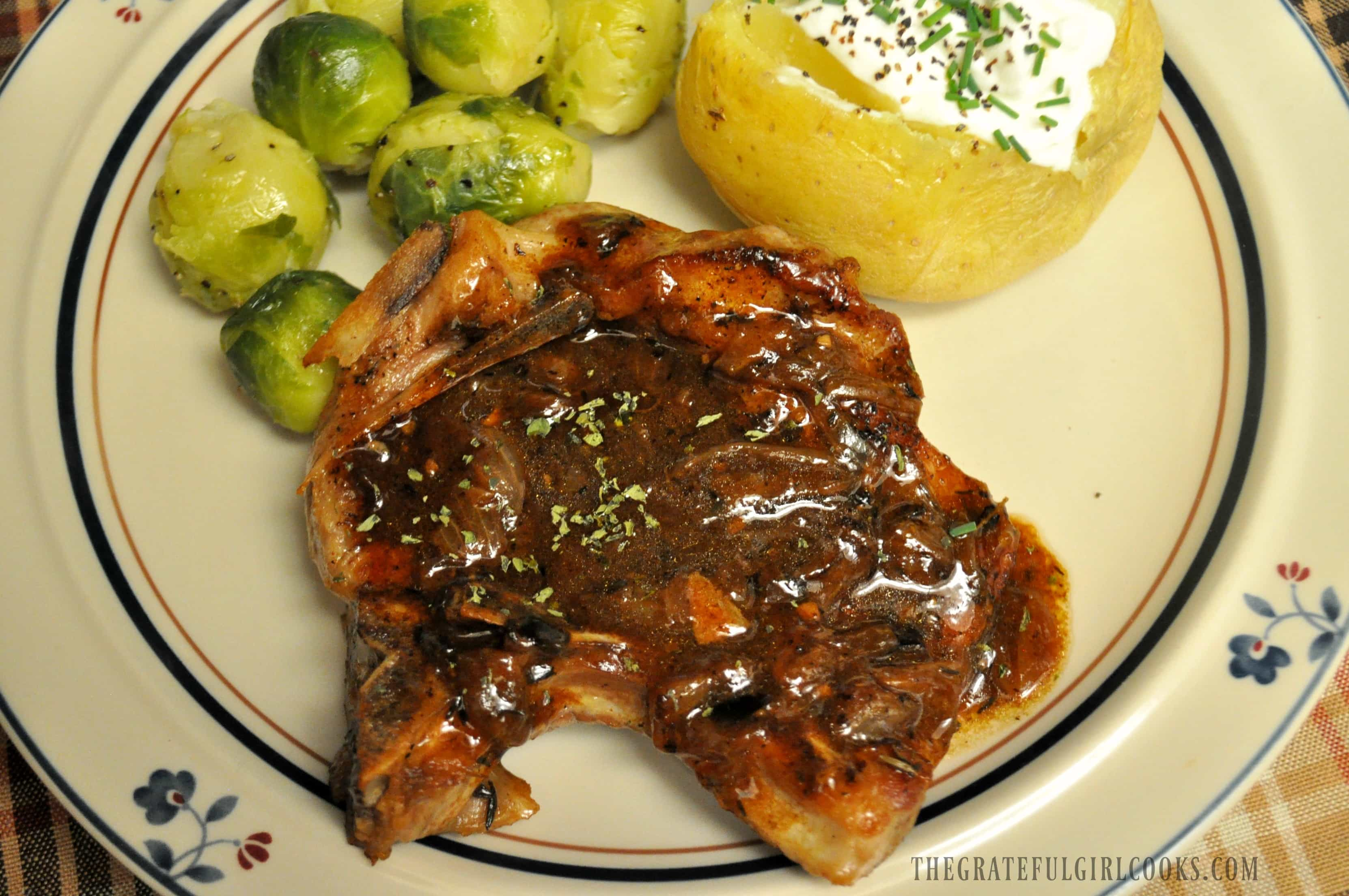 Smothered Pork Chops / The Grateful Girl Cooks!