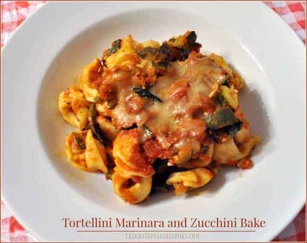 Enjoy Tortellini Marinara Zucchini Bake (Wt. Watchers), a meatless casserole, with cheese tortellini, sauce, zucchini, spinach, & mozzarella!