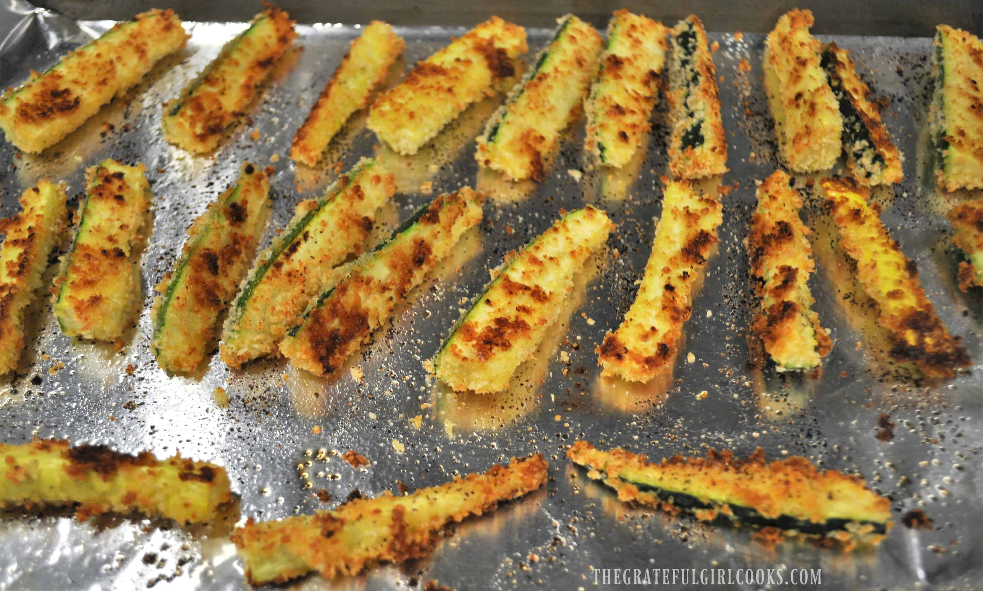 Baked Parmesan Zucchini Fries / The Grateful Girl Cooks!