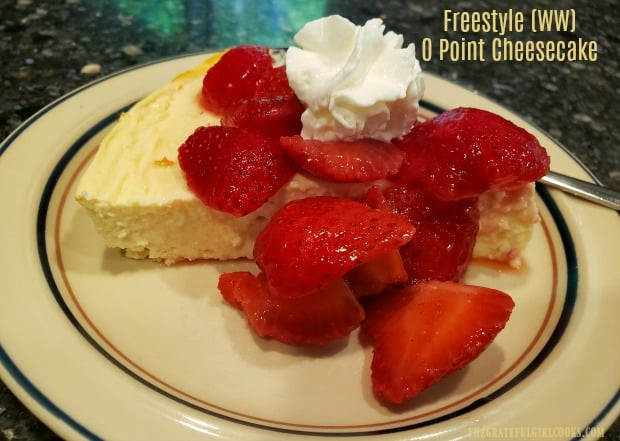 Have a sweet tooth, but trying to cut out desserts? Try this easy and delicious, sugar free, Weight Watcher friendly, Freestyle 0 Point Cheesecake!