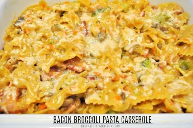 Enjoy bacon broccoli pasta casserole, a cheesy, family-friendly baked dish with bacon, Parmesan, mozzarella, mushrooms, carrots, onions and broccoli.