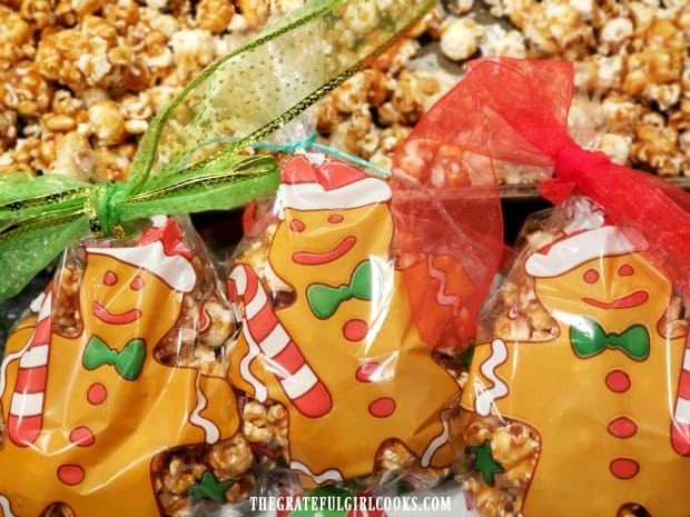 Christmas goodie bags, filled with crunchy caramel corn are a fun homemade treat!